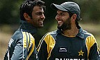 Shoaib Malik Century Sees Off Warriors Challenge