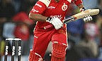IPL 2013: Bangalore Hold On For Narrow Win