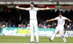 Anderson And Bresnan Seal England Victory