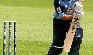 Wicket-Keeper Adshead Leaving Gloucestershire