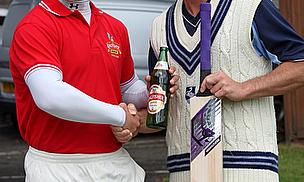 James Benning Wins Cricket World Kingfisher Beer May 2011 Top Performer Award