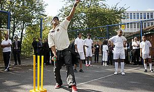 World's Greatest Fast Bowlers Bring Cricket To Streets Of London