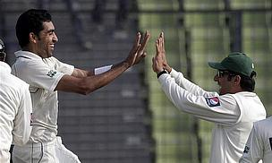 Pakistan Leave Bangladesh On The Ropes