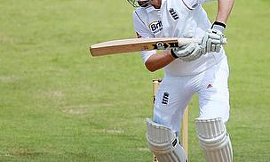 Root And Carberry Make New Zealanders Suffer