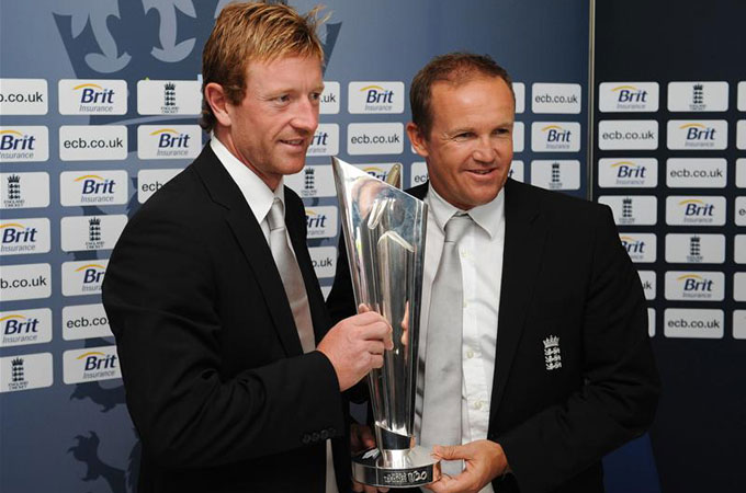 Paul Collingwood and Andy Flower with the trophy