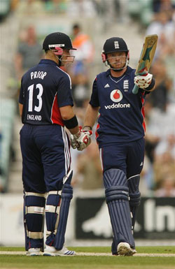 Matt Prior and Ian Bell at The Brit Oval